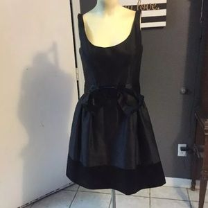 Milly black silk cocktail dress size 2 boned bow